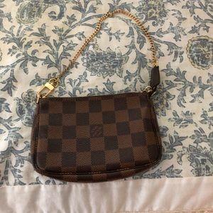 LV small bag used twice